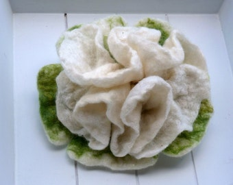 Felt Brooch white