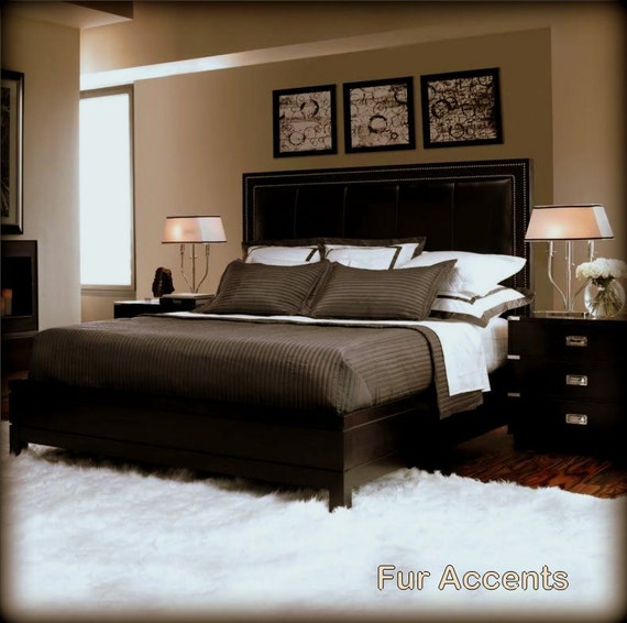 FUR ACCENTS Faux Fur Rug / Shaggy Sheepskin Accent By