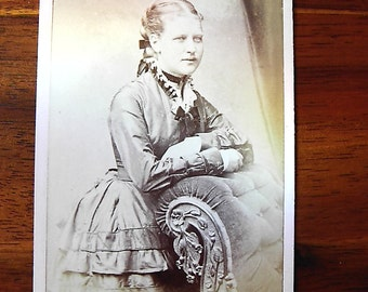 Carte De Visite portrait of woman