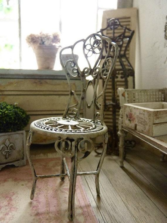 chaise de jardin romantique gris gustavien mobilier en. Black Bedroom Furniture Sets. Home Design Ideas