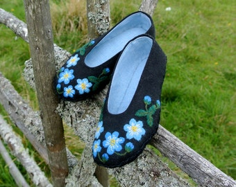 Blue flowers - Hand embroidered Slippers with leather sole for kids