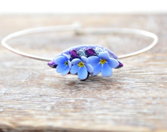 Minimal sterling silver bangle bracelet and polymer clay forget-me-not flowers