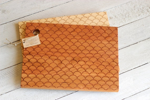 Scalloped Design Cutting Board - Wood Engraved Modern Scallop, Nautical Pattern