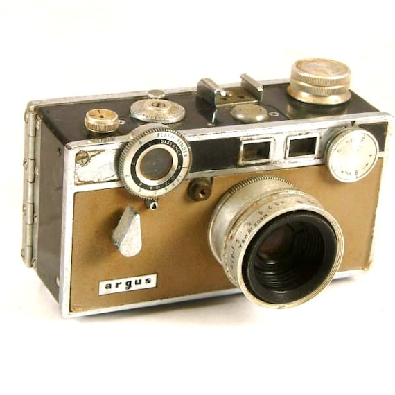 vintage argus c3 35mm tan rangefinder camera with lens 2002. Black Bedroom Furniture Sets. Home Design Ideas