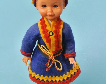 Swedish vintage 1950s handmade souvenier Laplander landscape dress doll