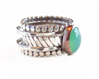 Green CHRYSOPRASE Ring, Mixed Metal, Stack Ring, Rustic stack Ring, Hammered Ring,Silver and Copper Stack Ring Set,boho ring,Oxidized Ring