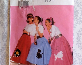 Butterick Costume Pattern.  Women's Poodle Skirt.  1950's Costume.  Size:  6-8-10-12.  Pattern No. 4114.
