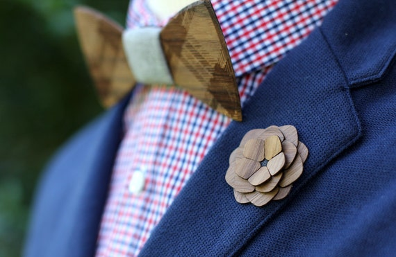 "Wooden Lapel Flower- ""Jamestown"""