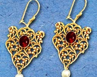 Israeli Gold Earrings. 14k Gold Vintage Filigree Earrings. Pesach Gift Just For Her. Gold Antique Style & Red Garnets. FREE SHIPPING!