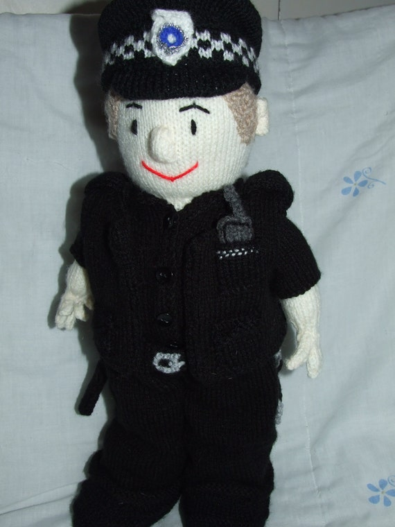 Policeman, postman and paramedic pdf knitting pattern