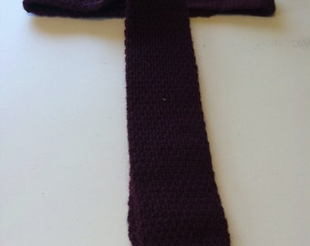 Vintage maroon knit skinny Lands End Charter Collection tie