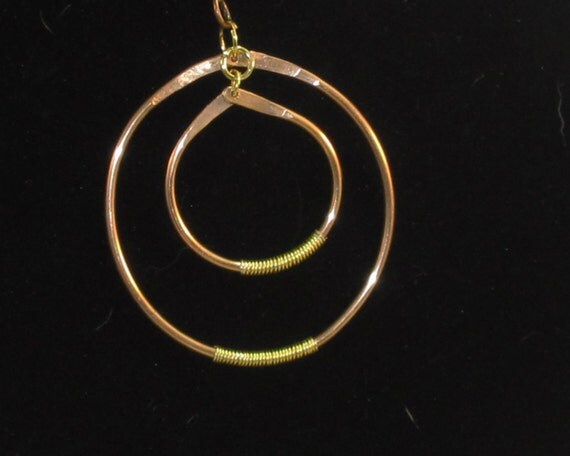 Fabulous designer circle pendant with wire wrap - choice of silver, gold or copper