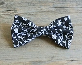 Paisley, Paisley Bow, Paisley Hair Bow, Paisley Bow, Paisley Tie, Tribal, Bow Tie, Black Bow, Bowtie, Hairbow, Mens Bow Tie, Black and White