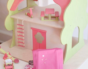TreeHouse Dollhouse with Play Set