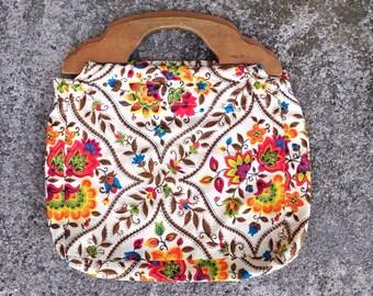 Vintage Floral Clutch, 70s Floral Clutch, Boho Handbag, Wooden Handle Bag, Flower Clutch, Floral Purse, 70s Flower Print Clutch, Retro Bag