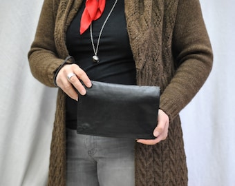 Vintage LEATHER CLUTCH ....(348)