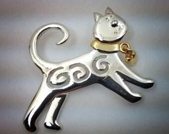 Whimsical kitty pin