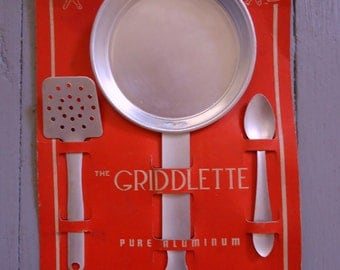 Vintage Children's Kitchen Set - The Griddlette