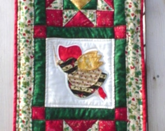 Christmas Sunbonnet Sue Wall Hanging Pattern
