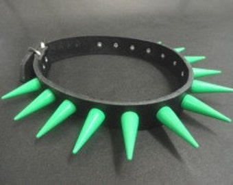 Green Metal Spikes Choker