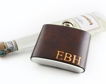 Leather flask cover. Personalized with monogram, initials or name.