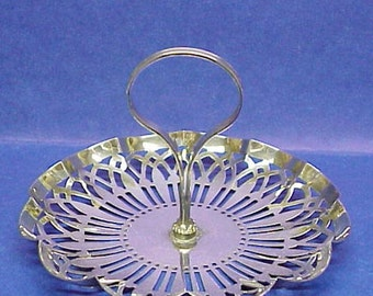 Marvelous  SERVING DISH -  Flexable Handle - Center Post - Plate Canada -  Open Work
