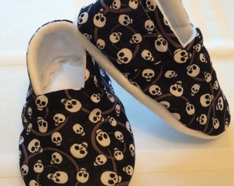 Punk Skull Baby Booties 6-12 Mo Fleece Lined Rockabilly/Halloween