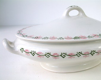Vintage Art Deco ironstone soup tureen / vegetable serving dish. VILLEROY BOCH. Pink and green art deco detail.