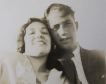 True Love - 1940's Young Couple Share A Moment Snapshot Photo - Free Shipping