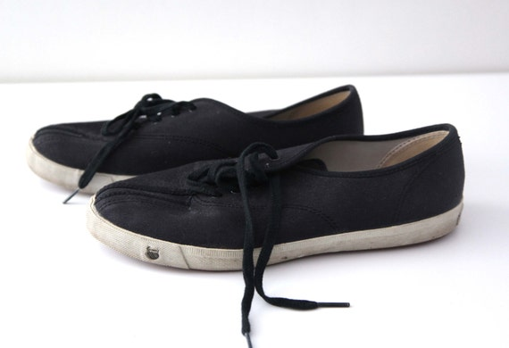 vintage 80s kswiss canvas tennis shoes black by