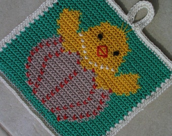Cheeky Easter chick potholder pattern - INSTANT DOWNLOAD