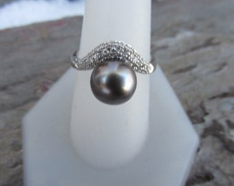 Estate 14 KT White Gold Pave Diamond & Black Gray Tahitian South Sea Pearl Ring