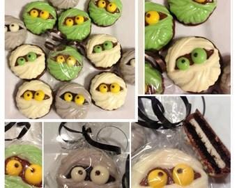 Halloween mummy chocolate covered Oreo - Set of 12  Halloween  party