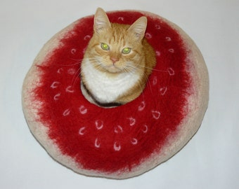 Cat Cocoon / Cat Cave / Cat Den / Cat House/ White and red