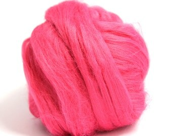 Pink Dyed Bamboo Top / Roving - Spinning Fibre / Fiber - Felting