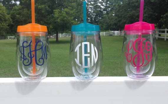 items similar to monogrammed acrylic stemless wine glass with lid and straw  bev2go tumbler on etsy