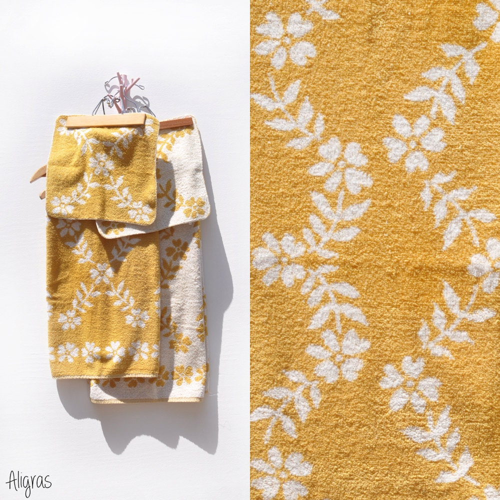 Reproduction Vintage Bath Towels: Vintage Yellow Bath Towels Vintage Floral Towels By Aligras