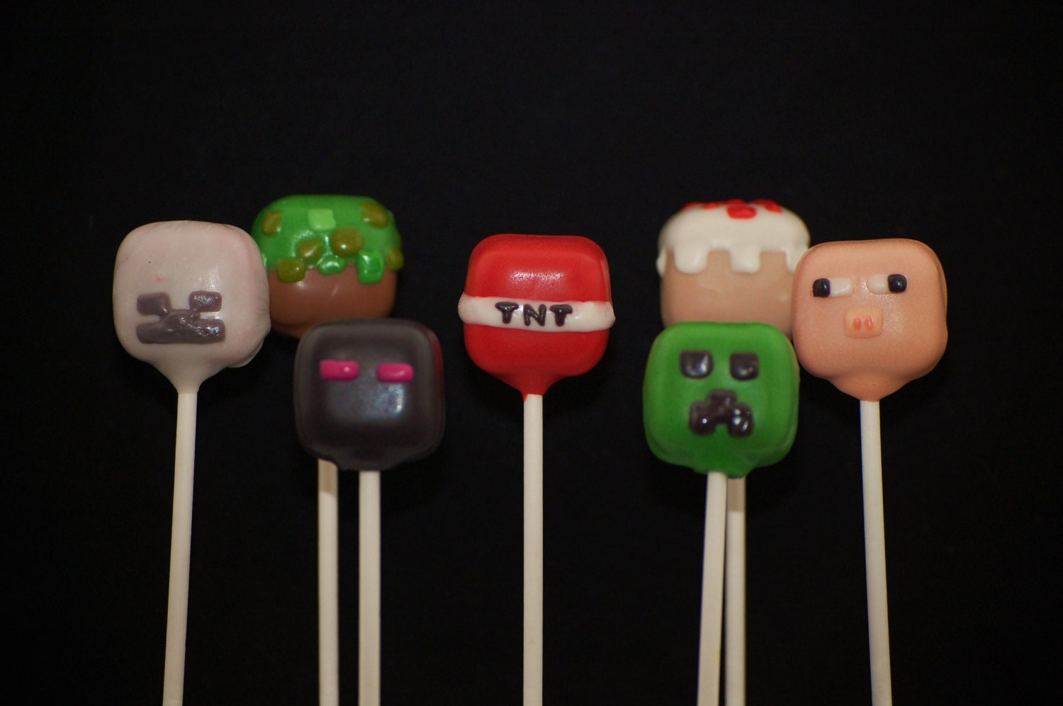 18 Minecraft Theme Cake Pops