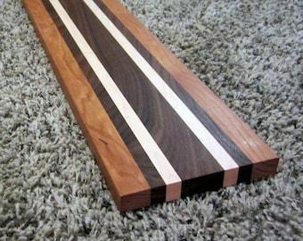 Laminated/striped French bread board