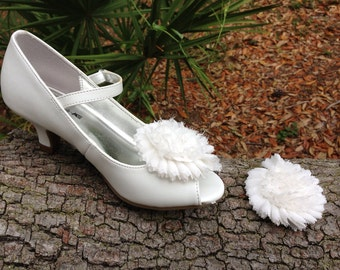 Bridal Shoe Clips, Communion Shoe Clips, Wedding, Pin Up, White Flower Shoe Clips, Photography Prop