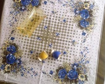 Gorgeous retro blue rose supper cloth