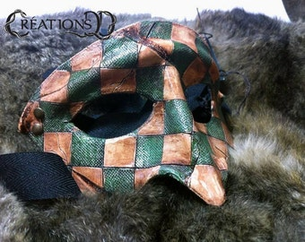 Green textured squared half-mask