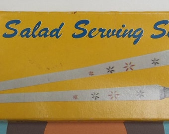 Vintage 1950s/1960s salad servers. Boxed and in very good condition.
