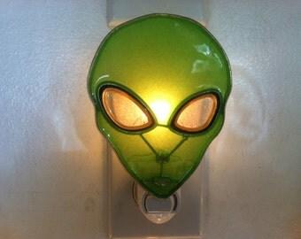 Alien Night Light  4 watt  on/off switch