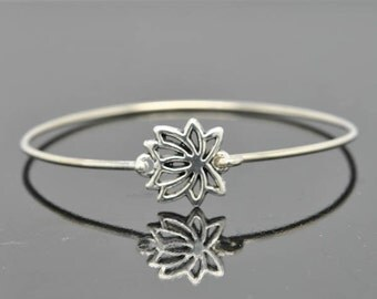 Lotus bangle, Sterling Silver Bangle, Lotus Jewelry, Lotus Bracelet, Sterling Silver Bracelet