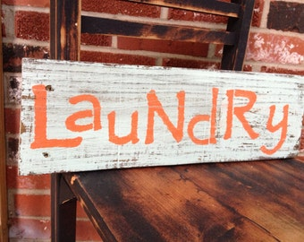 Laundry pallet sign