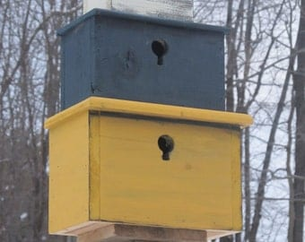 Stack of Nesting Boxes Birdhouse