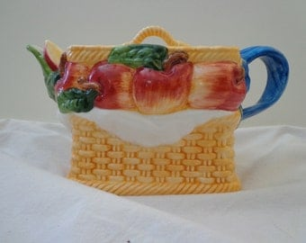 TEAPOT ~ Apples in a Basket
