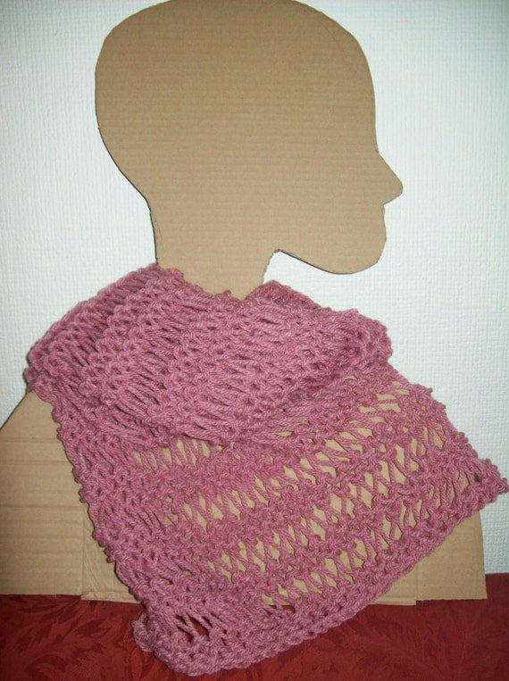 Giant Knitting Needles For Sale Uk : Pale rose chunky knit scarf with lacy loose stitch design