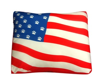 USA American flag square dog bed. Dogzzzz tired of the same old plaids and stripes brings the rugged outdoors in makes it fun.Free shipping!
